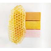 Lullalove Peelingujące mydło z pyłkiem pszczelim i miodem