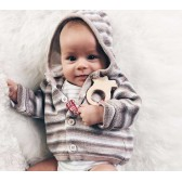 lullalove MaMari ośmiorniczka - gryzak z drewna klonowego z zawieszką